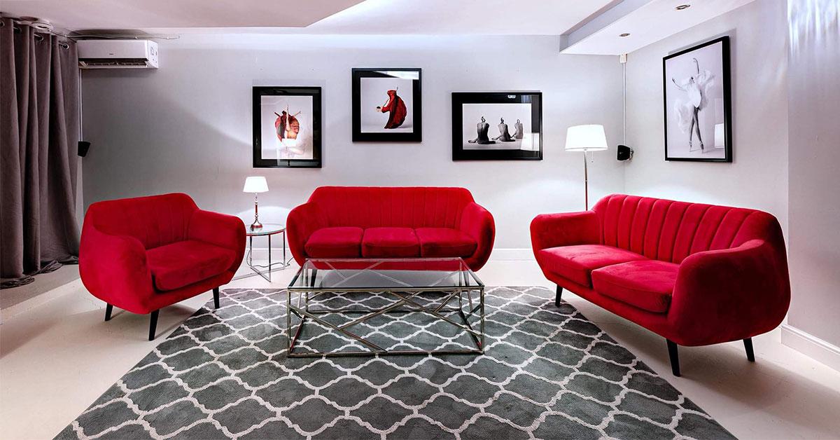 Sofa do prostych, minimalistycznych wnętrz