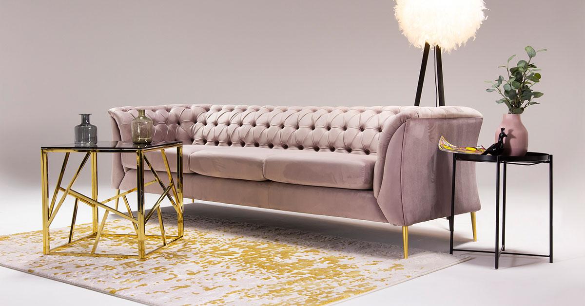 Różowe sofy i fotele - nasze 6 propozycji do nowoczesnego salonu