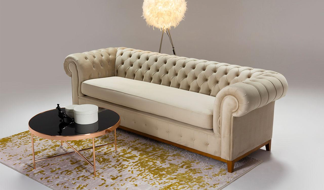 Beżowa sofa. Jaką kanapę w odcieniach beżu wybrać do nowoczesnego salonu.