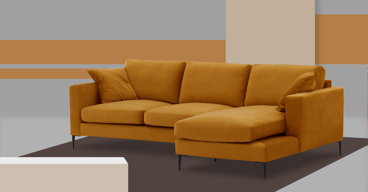 Musztardowe sofy - jakie dobrać do nich dodatki