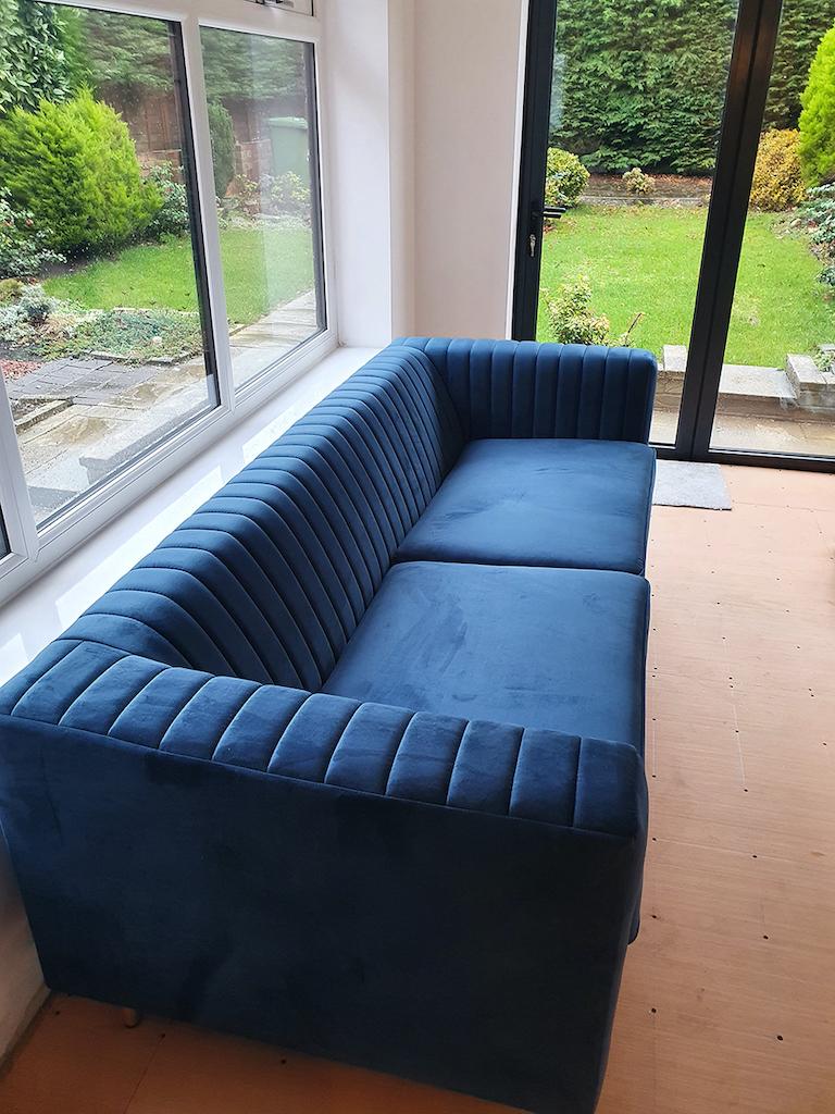 Niebieska sofa trzyosobowa Slender od Dany