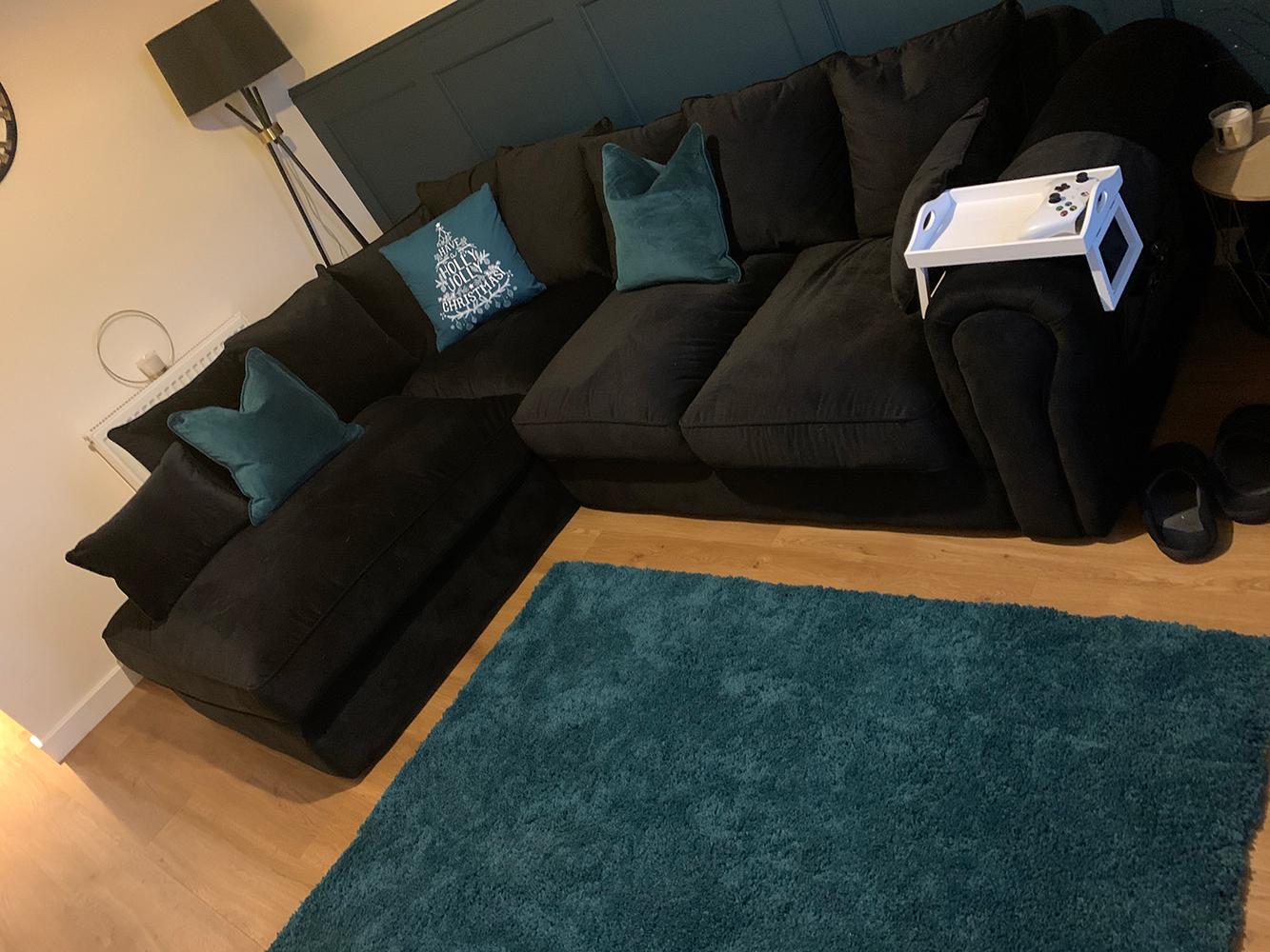 Czarny narożnik lewy Baron, sofa w stylu angielskim z luźnymi poduszkami oparciowymi