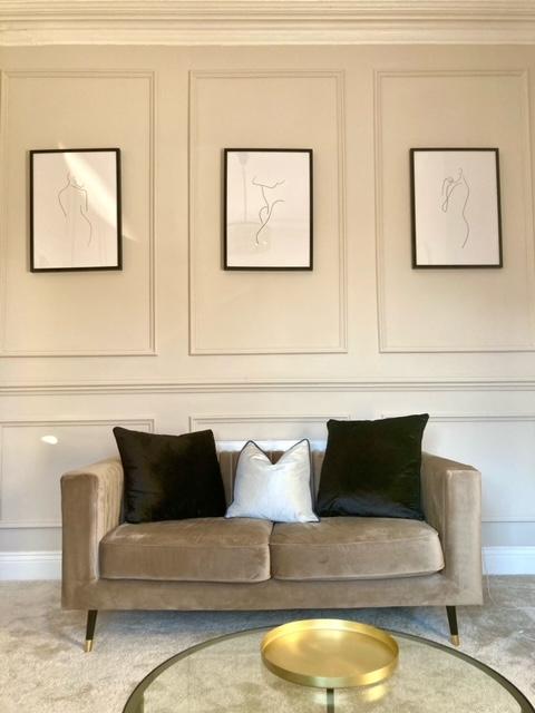Szara mała sofa Slender u Francescy