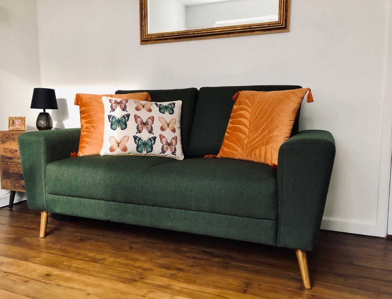 Zielona sofa dwuosobowa Cosy od Wendy
