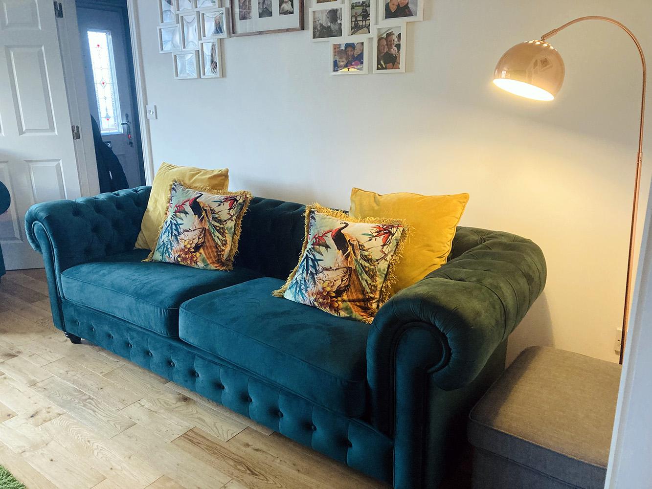 Sofa Chesterfield Max od Naomi