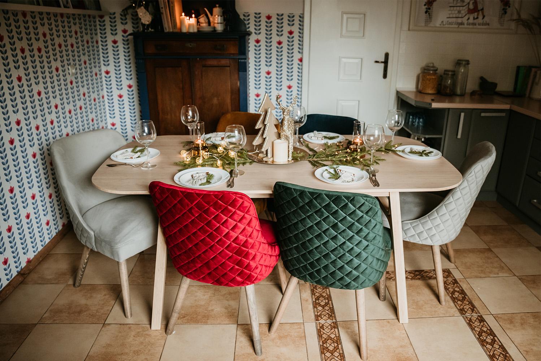 Krzesła Albion z przeszyciami