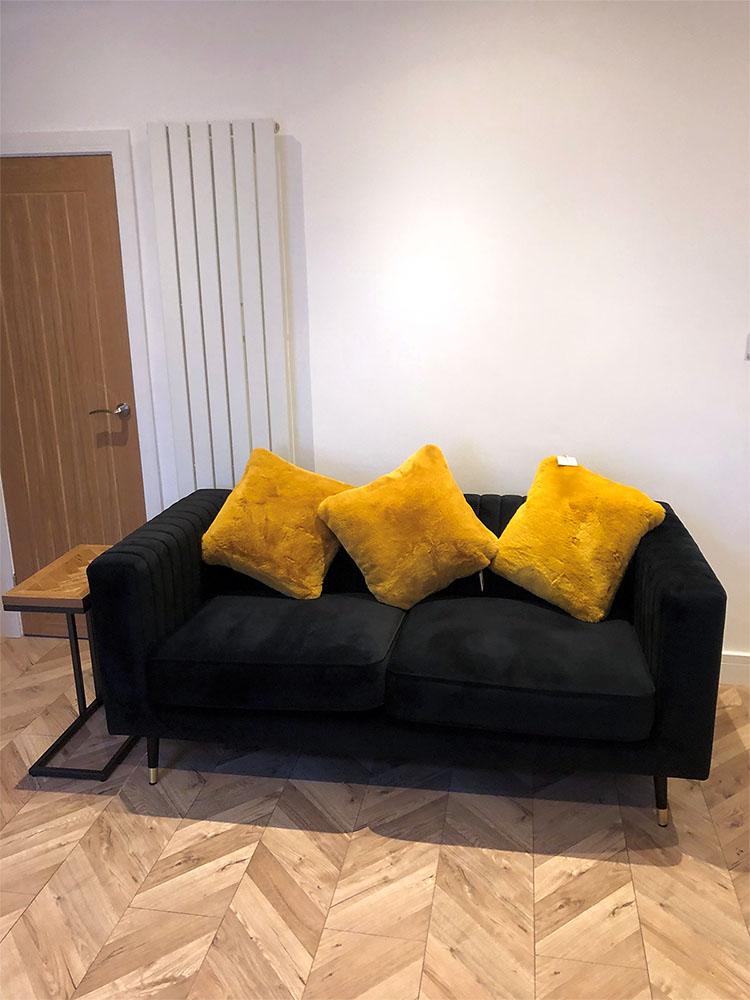 Czarna sofa Slender od Jordana